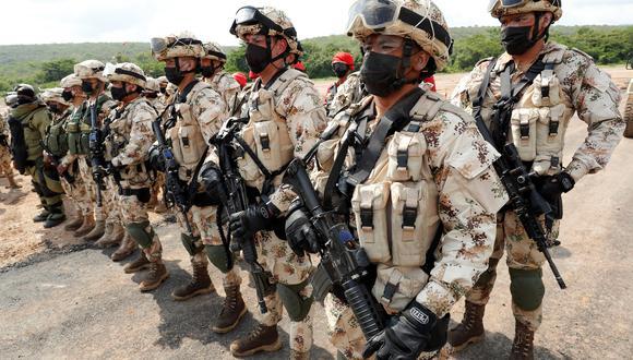 (Imagen referencial) Soldados colombianos realizan ejercicios militares hoy, en el Cantón Militar de Buenavista, en La Guajira (Colombia). (Foto: EFE)