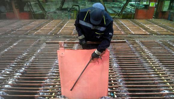 Las existencias históricamente bajas en China están apuntalando a los precios del cobre. (Foto: AFP)