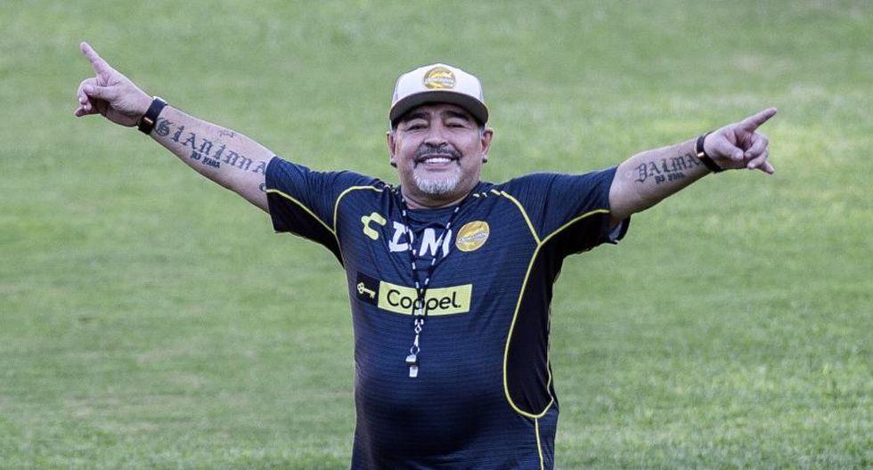 Diego Maradona también puede hacer de chofer en Dorados. (AFP)