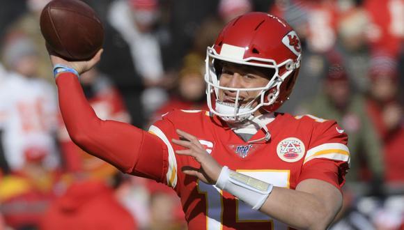 El quarterback de los Kansas City Chiefs Patrick Mahomes tienen 24 años y puede hacer historia este domingo en el Super Bowl ante San Francisco 49ers. (Foto: EFE)