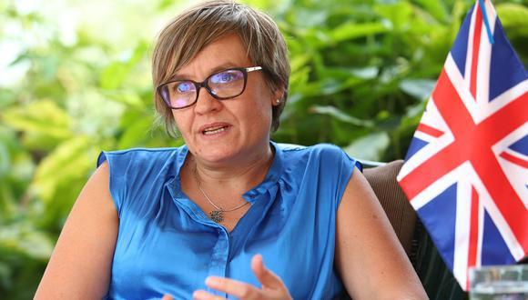 La embajadora del Reino Unido en el Perú, Kate Harrisson, resaltó que el personal sanitario es la prioridad en toda campaña de vacunación. (Foto: Alessandro Currarino / GEC).