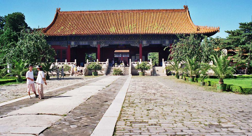 El plan general de renovación incluye rodear las tumbas, en las que descansan los restos de 13 emperadores y 23 emperatrices.  (Wikimedia Commons)