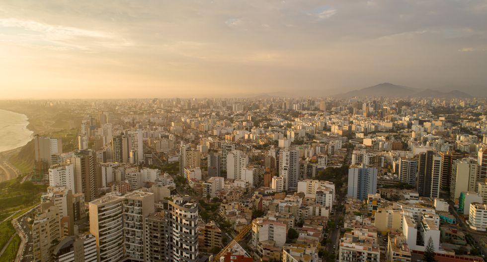 Lima desde un dron. Foto de los últimas días tomada por el usuario de Twitter @cesarv_chavez