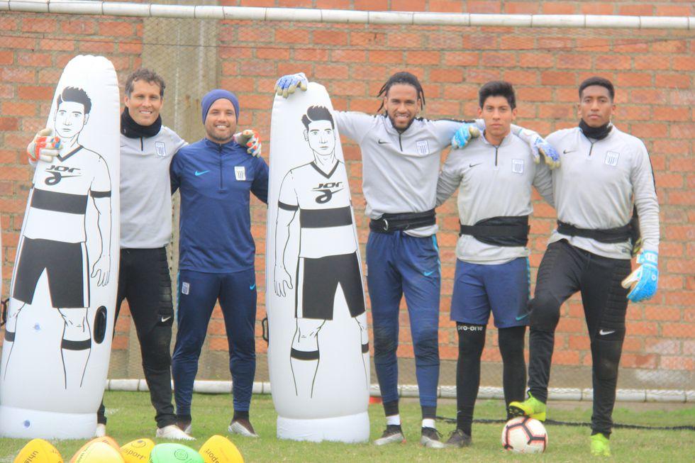 Leao Butrón indicó que compite por el arco con grandes amigos como Ítalo Espinoza y Pedro Gallese | Foto: Alianza Lima