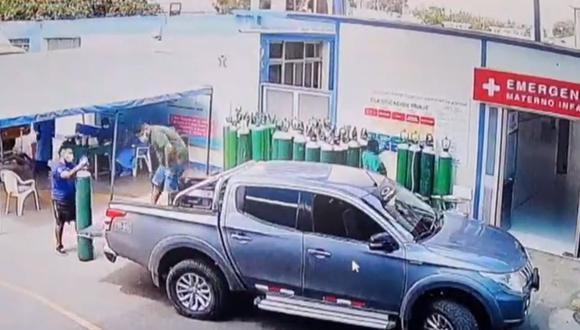 Áncash: los tres vigilantes investigados, según la Fiscalía, participaron del hurto de balones de oxígeno en el nosocomio ancashino. (Foto: Captura de video)