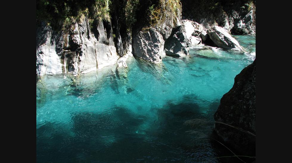Descubre este río de 'piscinas azules' en Nueva Zelanda - 3