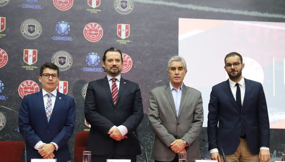 De izquierda a derecha: Johans Miñán, Juan Matute, Juan Carlos Oblitas y Jaime Fortuño, durante la conferencia de prensa en la que presentaron Futec. (Foto: FPF)