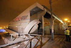 VMT: clausuran puente peatonal tras desplome de rampas cerca a estación del Metro de Lima | VIDEO