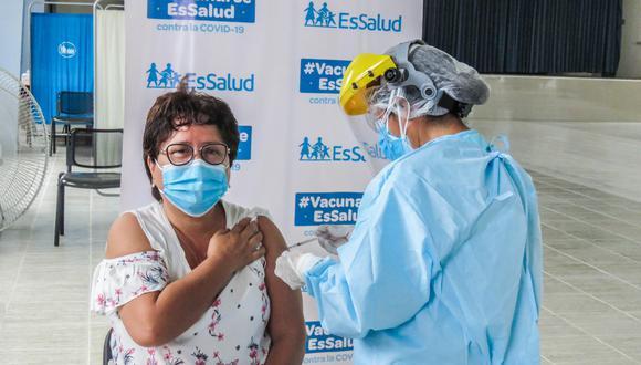 El domingo 6 de junio será el único día en que se suspenderá el proceso de vacunación en todo el país con motivo de la segunda vuelta por las Elecciones Generales 2021. (Foto: Essalud)