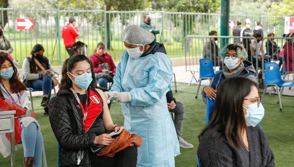 Según Essalud, las regiones de Tumbes y Tacna llevan la delantera en inoculación a personas con el rango más bajo en edad. (Foto: Minsa)
