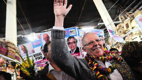 """PPK: """"De Soto ha vivido fuera del Perú asesorando a dictadores"""""""