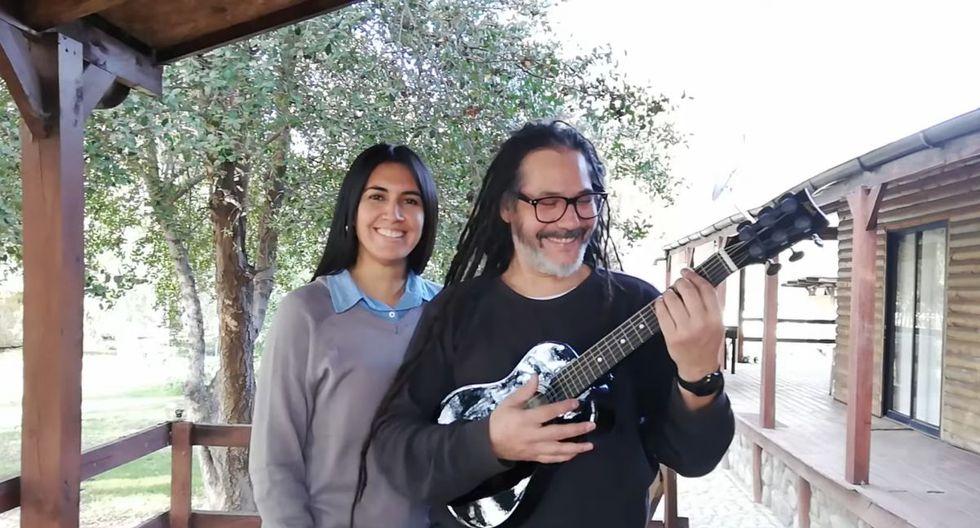 El exvocalista de Gondwana Quique Neyra también participa de la iniciativa. Aquí sale tocando la guitarra. (Foto: AMÉN Rock Perú)