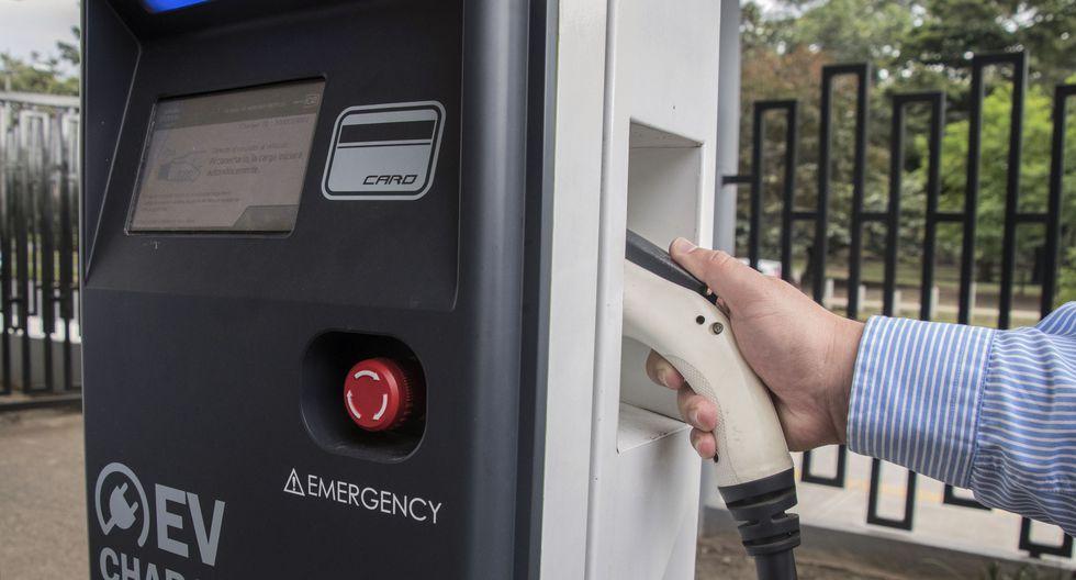 Una estación de carga para vehículos eléctricos. (Foto: AFP)