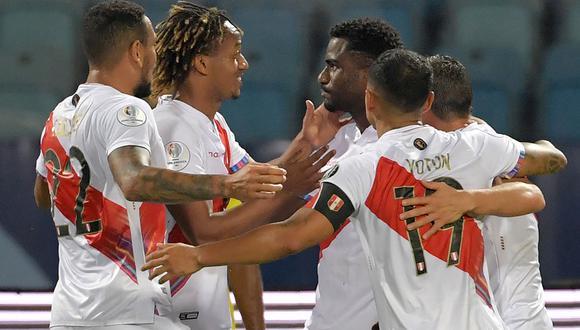 Perú consigue su primera victoria en Copa América 2021 tras vencer 2-1 a Colombia en la segunda fecha del grupo B. (Foto: AFP)