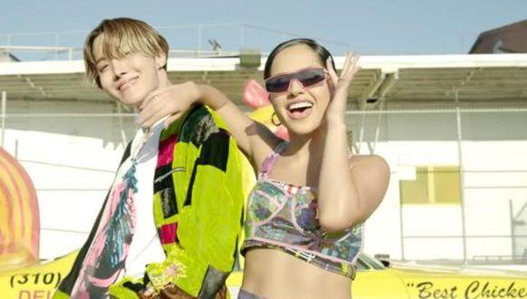 El 27 de septiembre, J-Hope y Becky G lanzaron su canción de colaboración que muestra el coro de la canción de 2006 de Webstar y Young B (ahora Bianca Bonnie) del mismo nombre. (Foto: Difusión).