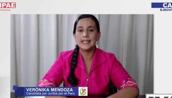 Verónika Mendoza le respondió a Keiko Fujimori durante el CADE Electoral. (Foto: IPAE)
