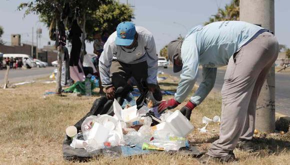 El personal encargado de la limpieza pública se haya en riesgo, anotó la Defensoría. (Foto: Leandro Britto / GEC)