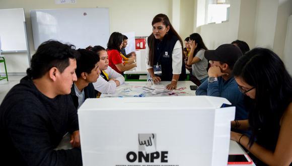 La ONPE anunció que los miembros de mesa recibirán un bono de estímulo por su labor durante las Elecciones 2021. (Foto: GEC)