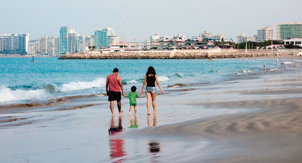 La playa Chipipe, en Salinas, tiene horario de visita: de 6 a.m. a 6:30 p.m.(Fotos: Shutterstock /Getty Images / AFP)