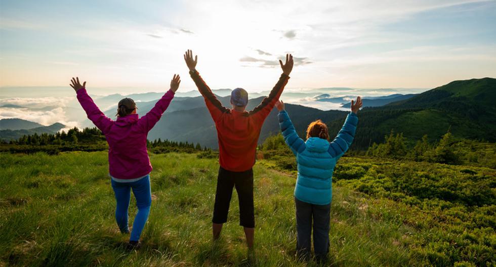 Planea el viaje. Lo más recomendable es reunirte con tu grupo de amigos y realizar un plan entre todos. Tomen en cuenta los intereses, destinos que buscan conocer, horarios de los recorridos, presupuestos, etc. Se trata de crear un itinerario bien estructurado antes de viajar. (Foto: Shutterstock)