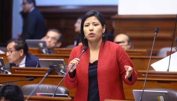 La congresista Indira Huilca dijo que su bancada pedirá mañana a la Comisión de Constitución que el debate pase al pleno del Congreso. (Foto: Congreso)