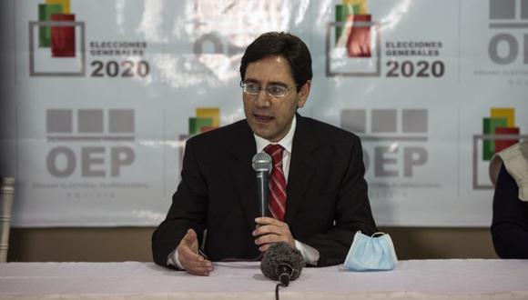 Salvador Romero, presidente del Tribunal Supremo Electoral (TSE), habla después del cierre de los colegios electorales durante la primera vuelta de las elecciones presidenciales en La Paz, Bolivia. (Foto: Marcelo Perez del Carpio / Bloomberg).