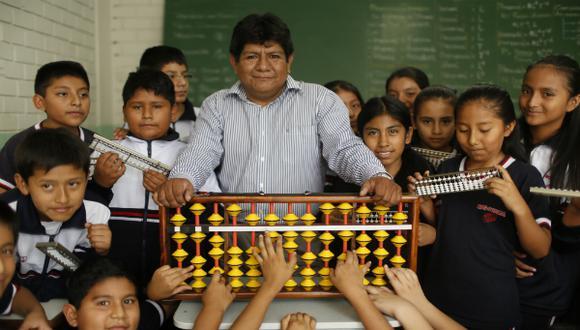 "Arturo Mendoza, el peruano en el 'reality' ""Supercerebros"" de NatGeo"