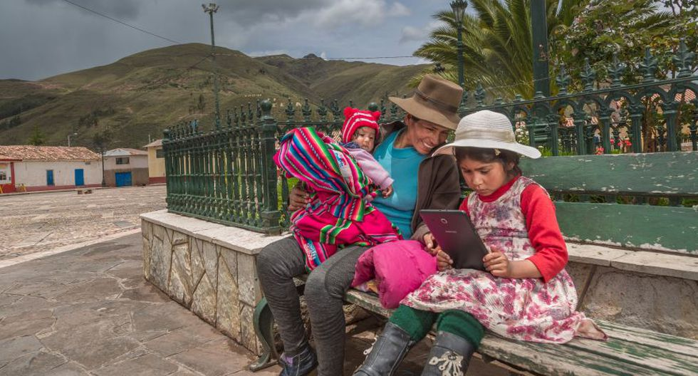 El proyecto presentado en Barcelona para darle internet a 6 millones de peruanos