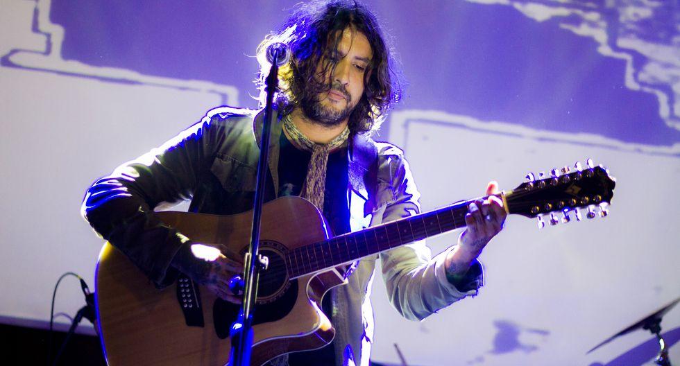 Paco Holguín, la voz de Emergency Blanket, subirá a escenario mañana en Barranco.