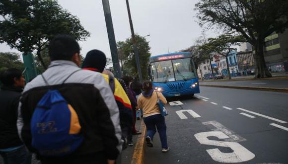 Corredor azul: usuarios no distinguen los buses semiexpreso