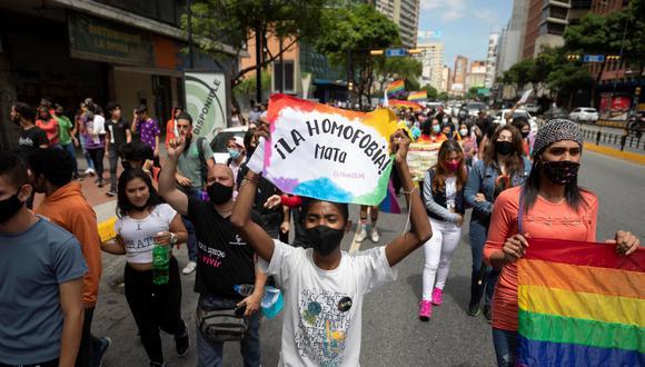 """La denuncia sobre los crímenes la lanzó la ONG Provea que denunció que, """"en menos de 48 horas, tres personas de la comunidad LGBTIQ+ fueron brutalmente asesinadas en Caracas durante el mes del orgullo"""". (Foto: Rayner Peña / Archivo EFE)"""