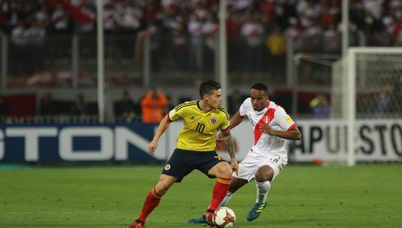 James Rodríguez ante la marca de André Carrillo, durante el partido de la selección peruana vs la selección colombiana. Lima, 10/10/2017. (GEC Archivo)