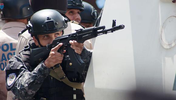 Integrantes de las Fuerzas de Acciones Especiales (FAES) y Unidades Operativas Tácticas Especiales (UOTE) fueron desplegados en La Vega, donde operan varias bandas delictivas. (Foto referencial   AFP).