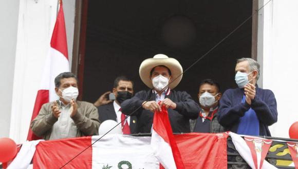 Pedro Castillo en una de sus pocas apariciones tras conocerse los resultados de la segunda vuelta. (Foto archivo GEC)