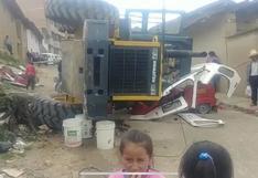 Cajamarca: cargador frontal aplastó dos mototaxis