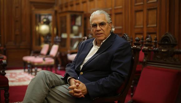 """""""El adelanto de elecciones es la opción menos mala de todas las que tenemos"""", afirmó Gino Costa. (Foto: GEC)"""
