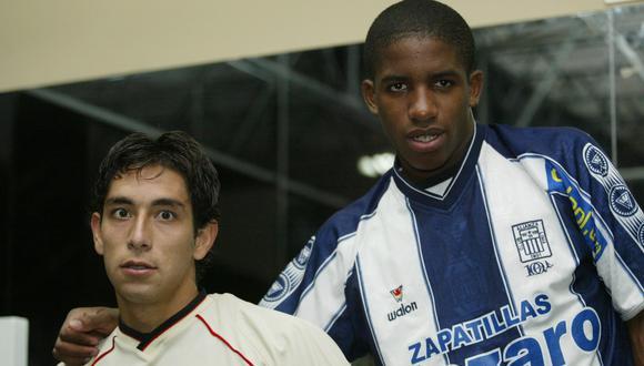 Jefferson Farfán y Juan Cominges participaron de una producción fotográfica en mayo del 2003. Fue el segundo intento tras una primera tardanza de la 'Foquita'. (Foto: Luis Choy).