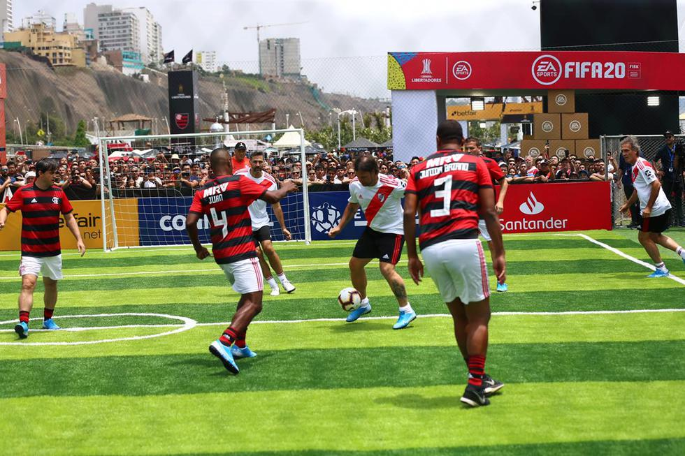 Final de Copa Libertadores: leyendas de River Plate y Flamengo deleitaron a hinchas con partidazo. (Foto: Hugo Curotto / GEC)