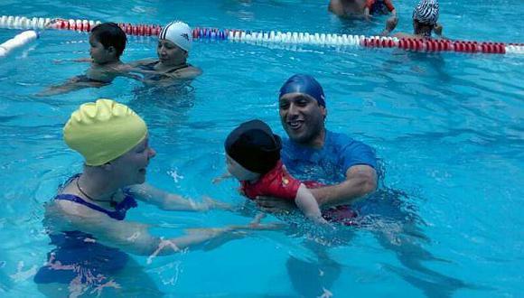 Hobby: El costo de las clases de natación para bebés