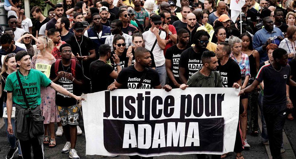En total, unas 20 mil personas salieron a las calles de París. Otras 2.500 lo hicieron en Lille, 1.800 más en Marsella y 1.200 en Lyon. Todas ellas lo hicieron bajo el lema de 'Black Lives Matters' y exigiendo justicia por un caso sucedido en el 2016. (Foto: Archivo AFP / Kenzo Tribouillard)