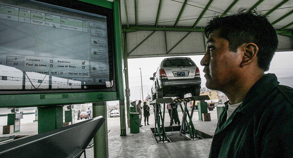El ministerio determinó que los centros de revisión técnica del país instalen cámaras de vigilancia. (Archivo: Juan Ponce / El Comercio)