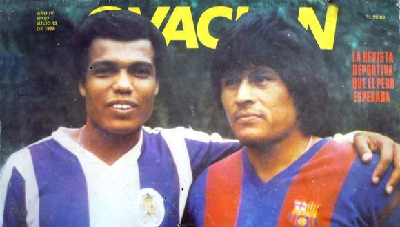 Hugo Sotil y Teófilo Cubillas, con las camisetas del Barcelona y el Porto, respectivamente. Europa los adoraba. FOTO: Revista Ovación.