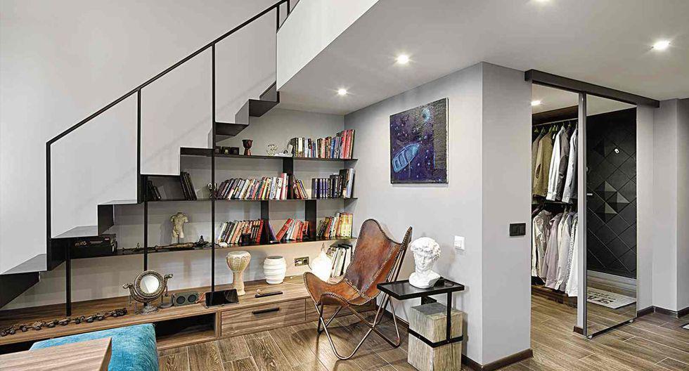En la primera planta de la casa también se diseñó un walk in closet con puertas corredizas de vidrio templado. (Foto: Yunakov Design)
