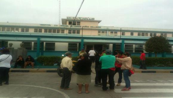 Cuerpo de Henry Checlla permanece en el Hospital Manuel de Torres. [Foto: Carlos Zanabria]
