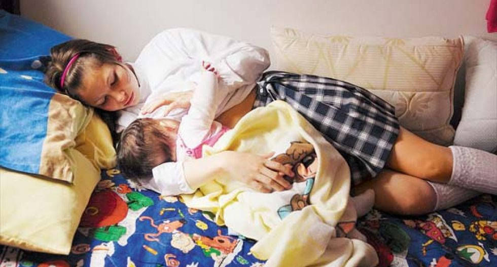"""""""Trece de cada cien chicas, entre 15 y 19 años, ya son madres o están por serlo. Solo el año pasado el Reniec registró 2.325 nacimientos de madres de entre 12 y 14 años""""."""