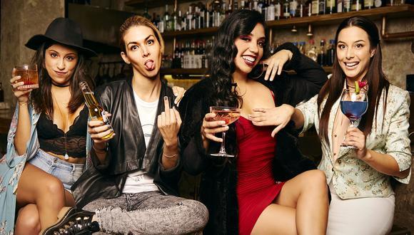 Victoria (Gina Yangali), Marcela (Anahí de Cárdenas), Kiara (Laly Guimarey) y Lisa (Natalia Salas), mujeres distintas unidas por la amistad. (Foto: Playbill)