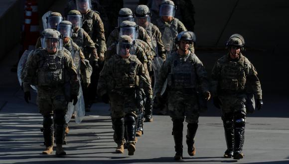 El Pentágono ya tiene alrededor de 2.350 soldados activos estacionadas a lo largo de la frontera, desplegados bajo una controvertida orden del presidente Donald Trump. (Reuters)