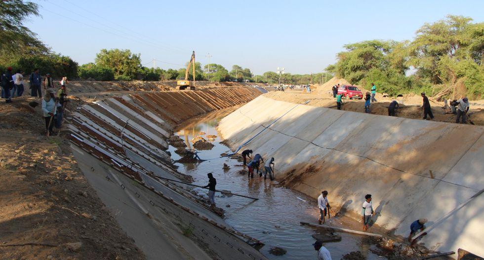 Vecinos de Piura, Castilla, 26 de octubre y Sullana sufren por la falta de agua potable. Además, se dejó de atender más de 80 mil hectáreas de cultivo. (Foto: Difusión)