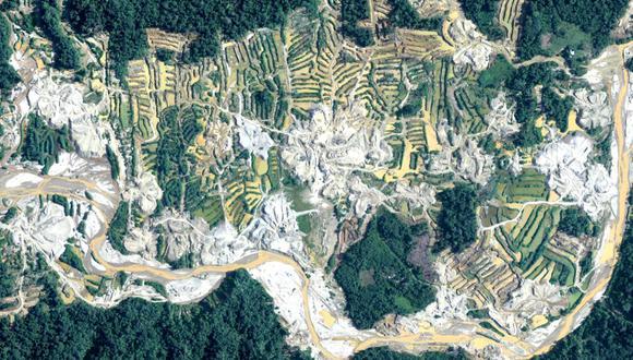 Cuatro operaciones aéreas ejecutadas el año pasado también dieron cuenta de la deforestación por tala ilegal y la presencia del narcotráfico en la selva. Foto: CEVAN/FAP