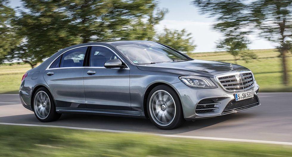 Mercedes-Benz Clase S. Llegó al mercado con diversas variantes de 6 cilindros y un potente V8 biturbo que utiliza petróleo.